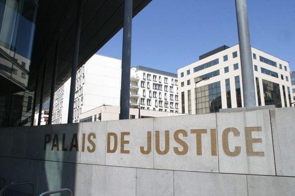 Le palais de justice de Grenoble le 6 avril 2020.