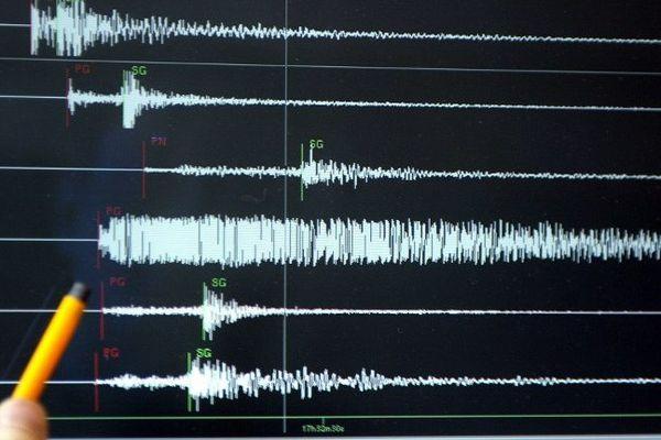 Une intensité de 5, 1 sur l'échelle de Richter le 24 février 2004 sur les écrans du  Réseau National de Surveillance Sismique (RENASS) de Strasbourg