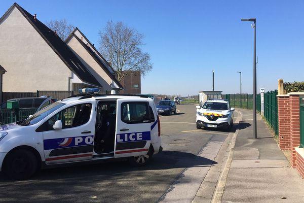 Intervention des policiers mercredi 25 mars en début d'après-midi dans la cité des fleurs à Beauvais