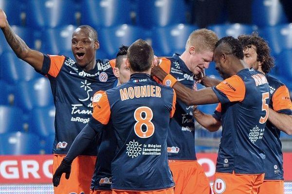 Montpellier : l'équipe du MHSC se congratule après le premier but de Charbonnier face à Lorient - 12 janvier 2013.