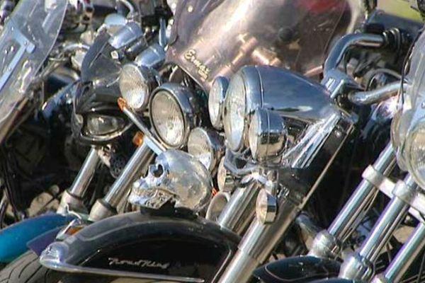 Rassemblement de 1.000 Harley-Davidson à Noyers-du-Cher (Loir-et-Cher)