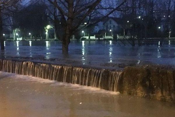 """En février 2018, l'inondation a submergé le barrage """"anti-crue"""" de Gournay-sur-Marne."""