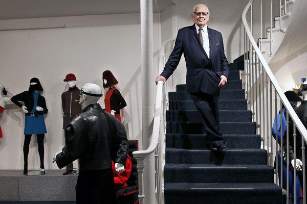 Pierre Cardin s'est éteint à l'âge de 98 ans. Il était l'apprenti du tailleur stéphanois Louis Bompuis de 1936 à 1941