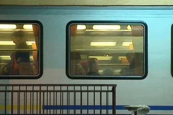 Depuis les attentats du 13 novembre, beaucoup de sénonais qui travaillent sur Paris ont peur de prendre le train.