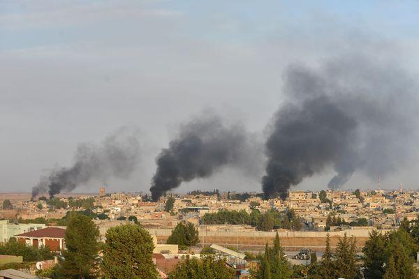 Des avions de guerre ont frappé des zones civiles kurdes dans le nord de la Syrie