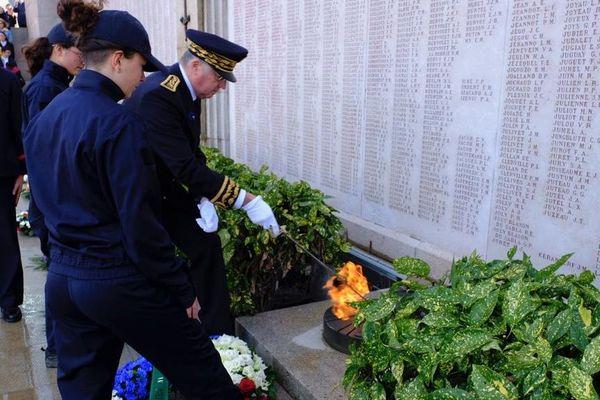 A Nantes l'hommage a eu lieu au pied des tables mémorielles au pied de l'esplanade SaintPierre