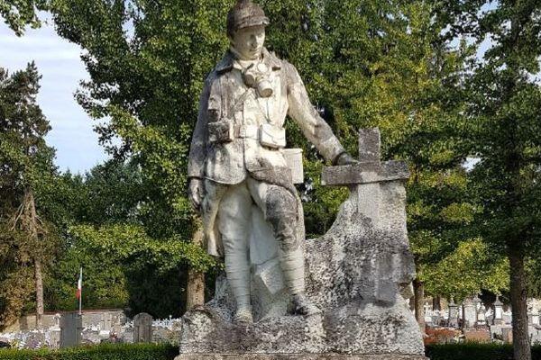 Le Poilu d'Albert Pasche, au cimetière Saint-Claude de Besançon