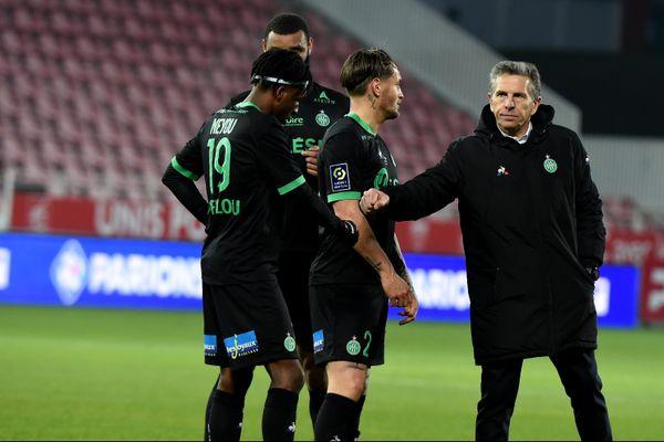 Le coach Puel et ses joueurs. Déception en fin de match. Dijon-Asse : 0 à 0 pour cette treizième journée du championnat de France de ligue 1 saison 2020-2021 au stade Gaston Gérard à Dijon.