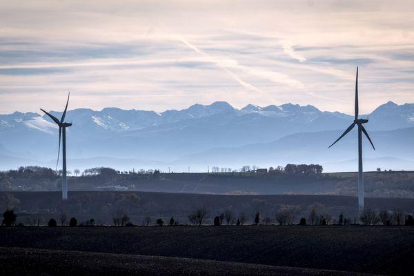 La plan pluriannuel pour l'énergie prévoit le triplement de la production d'électricité par les éoliennes terrestre en dix ans. Image d'illustration.