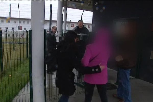 La famille de Geoffrey Debouver a été reçu par le directeur de la prison de Vendin-le-Vieil ce mercredi matin.