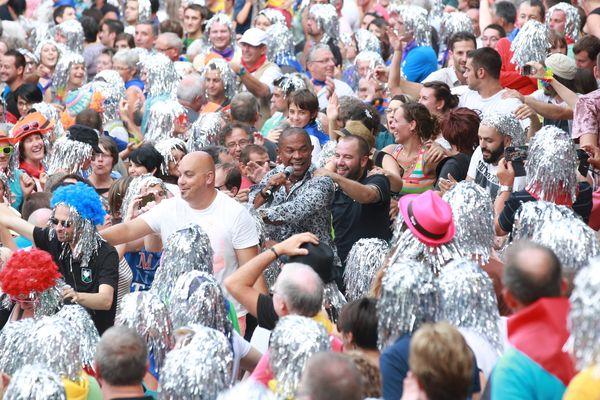 Le festival de Poupet affiche complet pour ses soirées de 30 ansn, ici la soirée camping-car 2015