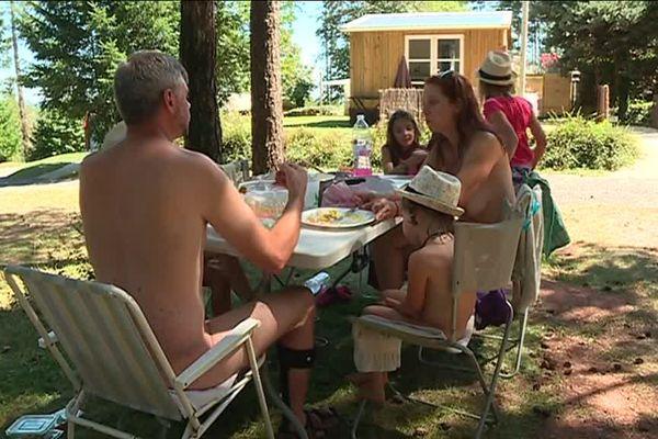 Le camping naturiste de Collonges-la-Rouge