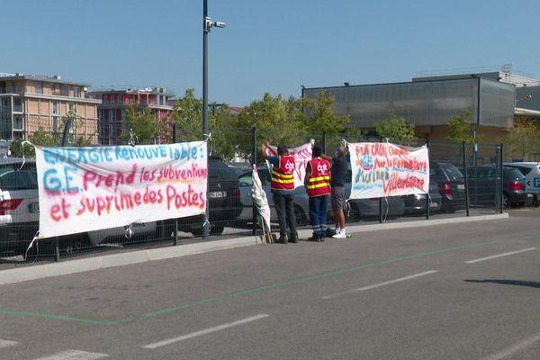 Le piquet de grève est installé depuis le 23 novembre 2020 à Villeurbanne, sur le site de Grid Solutions, l'une des filiales de General Electric menacée de fermeture.