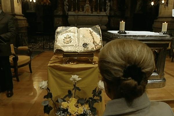 La relique de Jean-Paul II exposée à Rennes.