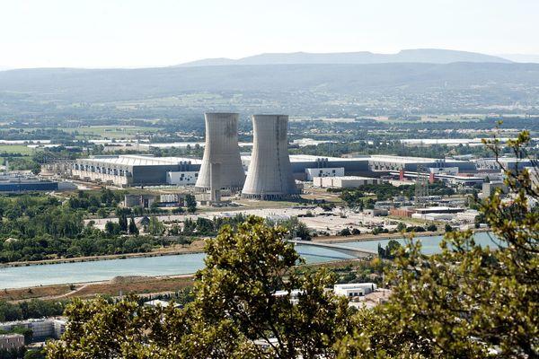 """La centrale nucléaire du Tricastin, à Saint-Paul-Trois-Châteaux, dans la Drôme, est classée comme étant la plus dangereuse de France dans le livre """"Nucléaire, danger immédiat""""."""