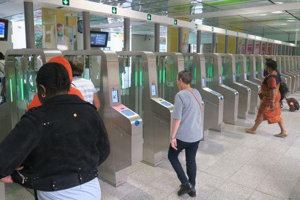 450.000 voyageurs prennent quotidiennement le train à la gare Saint-Lazare.
