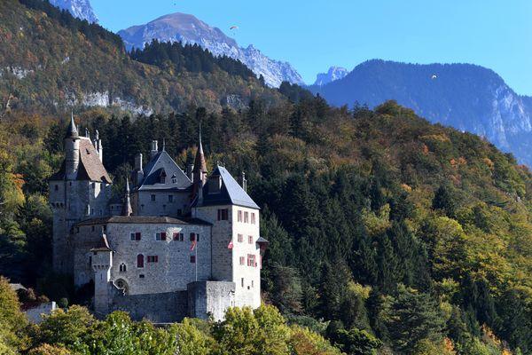 Le château de Menthon-Saint-Bernard, en Haute-Savoie, le 12 octobre 2017.