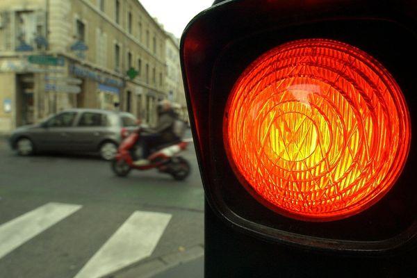 A Rouen, la régulation des feux de circulation se fait grâce à un réseau connecté avec des opérateurs