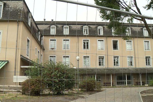 """L'EHPAD l'Age d'or à Oloron-Sainte-Marie où 13 résidents sont décédés """" en lien possible """" avec la Covid-19"""
