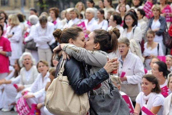 Le baiser de Marseille photographié par Julien Gérard de l'Afp