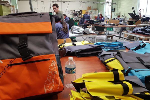Des sacs à dos éco responsables en kayaks recyclés