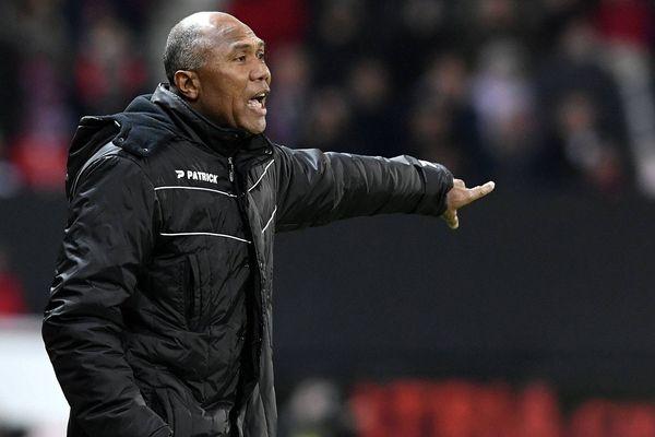 Antoine Kombouaré veut faire travailler les joueurs du TFC selon ses conceptions : bien défendre d'abord.
