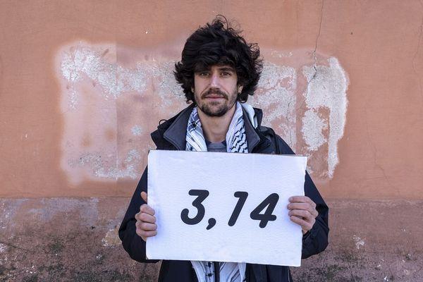 """Martin, 26 ans, l'un des """"pisseurs"""" de Toulouse affiche le taux détecté dans ses urines - Photo d'illustration"""