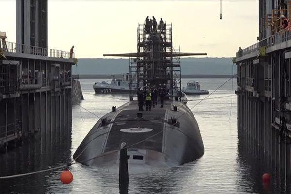 Le SNLE le Téméraire quitte la base navale pour rejoindre l'île Longue