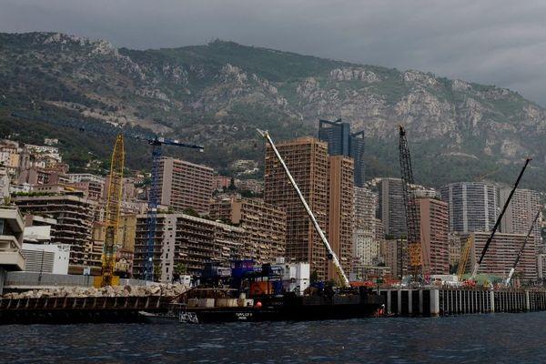 Construction en mer à Monaco, en juillet 2019