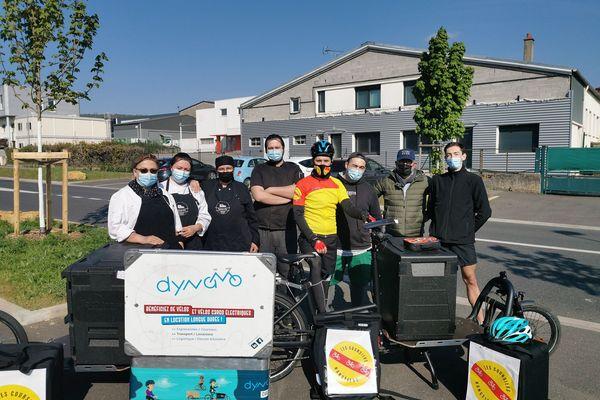 L'équipe qui a créé le système de livraisons.