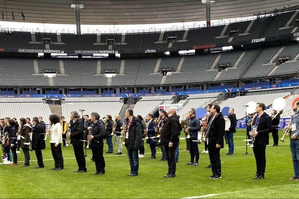 La banda 100% Gascon en pleine répétition avant le coup d'envoi du match France-Angleterre.