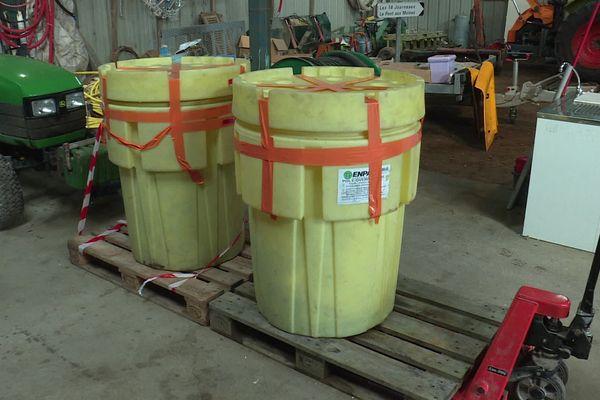 Dans ces cuves hermétiques, plus de 100 kilos de sfectine sont maintenant stockés. Un produit hautement toxique qui contient 22% d'arsenic trouvé dans des sacs sur les berges du marais breton