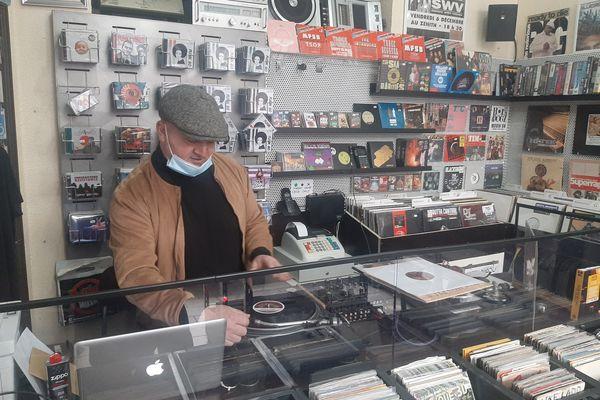Pascal, DJ Pass, disquaire de la rue Saint-Nicolas