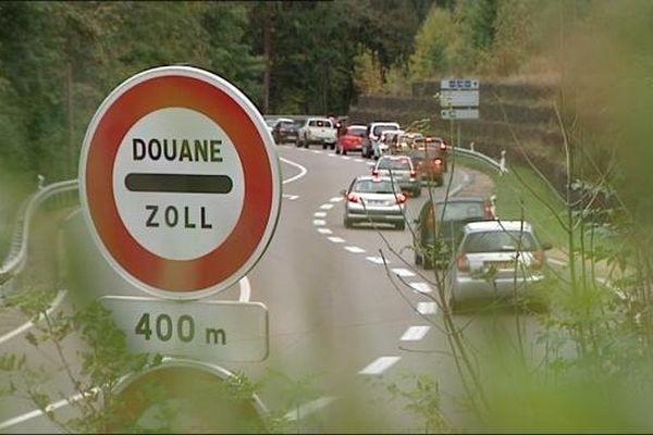 A l'approche de la douane de Vallorbe entre France et Suisse
