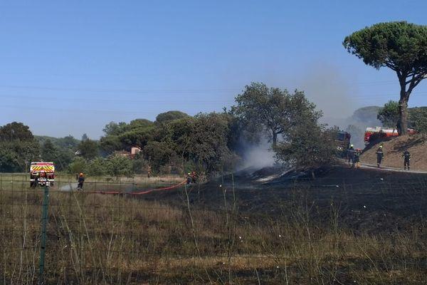 Les pompiers ont stoppé le feu qui s'approchait d'un camping.