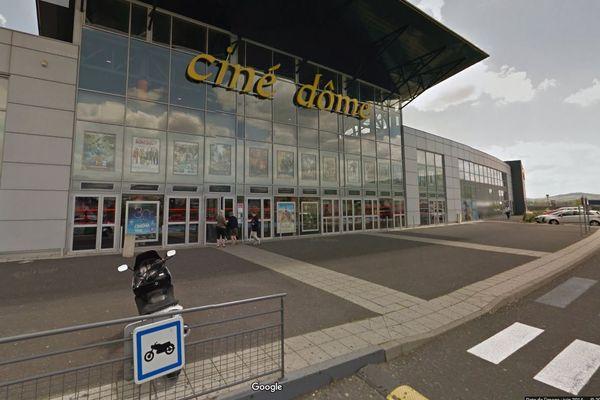 Pathe Rachete Le Groupe Cinealpes Cinq Cinemas Du Cantal Et Du Puy De Dome Sont Concernes