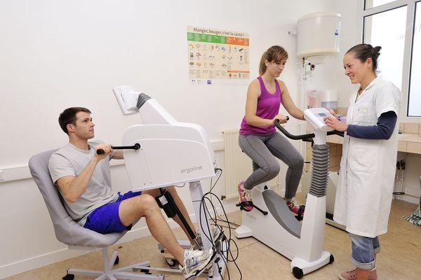 Une étude du CHU de Rennes travaille sur le ré-entraînement à l'effort pour des patients touchés par le coronavirus et présentant encore des symptômes