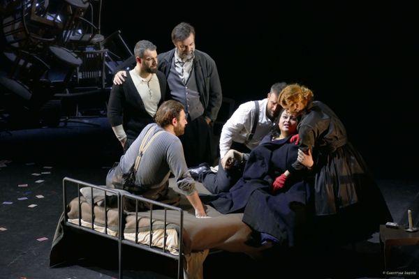 """L'opéra """"La Bohème"""" est inspiré de """"Scènes de la vie de bohème"""" d'Henry Murger, un ouvrage dans lequel il raconte son quotidien d'artiste dans le Paris du 19e siècle. Il a d'ailleurs créé Rodolfo à son image."""