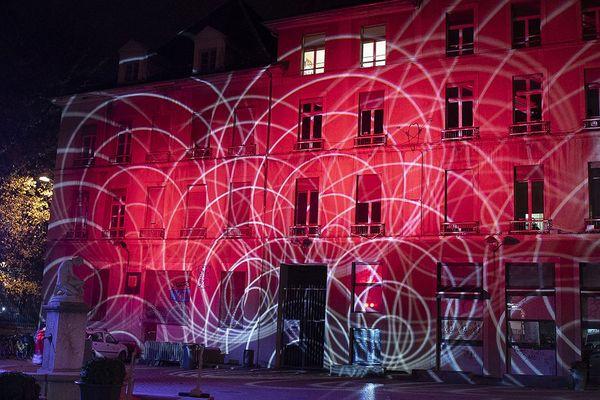 En 2019, c'est la place de Gordes qui avait été illuminée au moment des fêtes à Grenoble.
