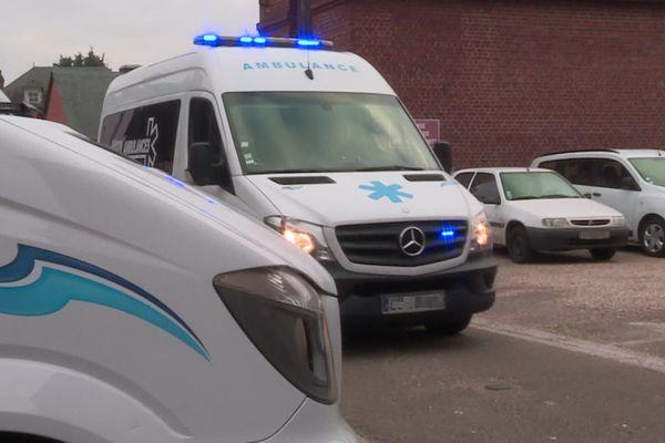 """4 avril 2020- Le Houlme-Rencontre avec les ambulanciers de """"Activ'Ambulances"""""""