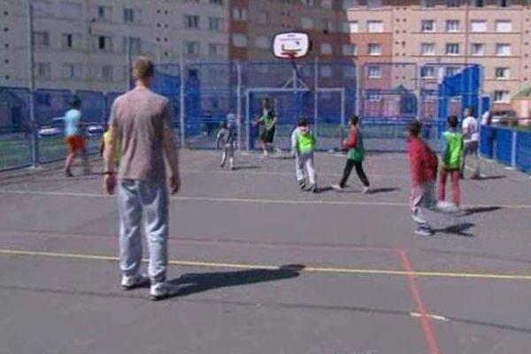 """Opération """"sport au bas des immeubles"""" à Saint-Quentin"""