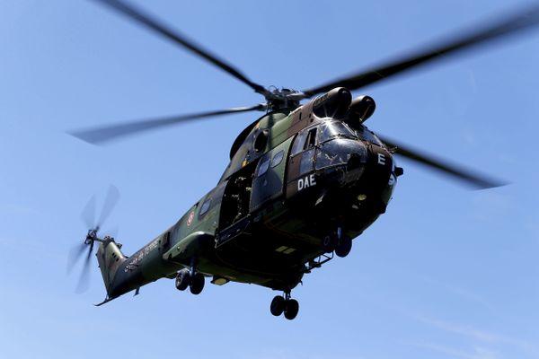 Hélicoptère Puma de l'Armée Française