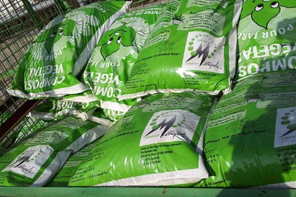 Sacs de compost distribués gratuitement dans les déchèteries de l'agglomération de Limoges