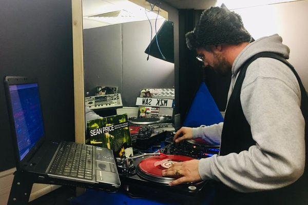 DJ Madzikila Saw, collaborateur et admirateur de Logilo.