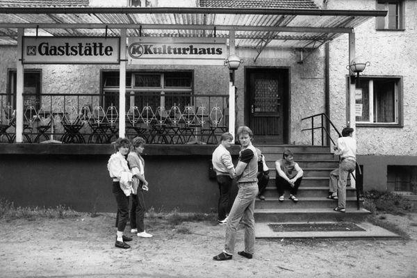 Une photo de Harald Hauswald, prise en RDA avant la chute du mur