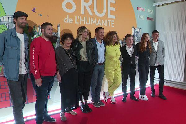 L'équipe du film, parmi les acteurs : Dany Boon, Laurence Arné ou encore Nawell Madani