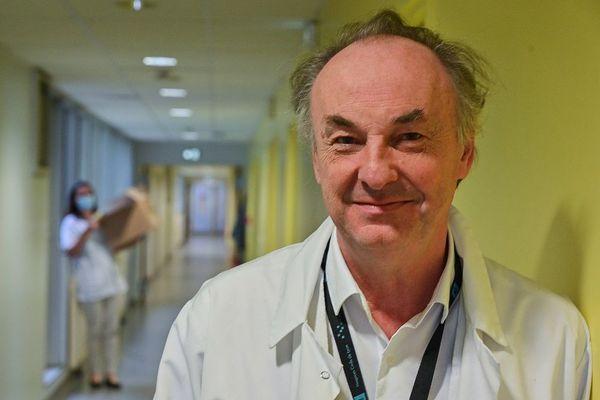 Entretien avec le Professeur Bruno Lina, virologue à Lyon, et membre du conseil scientifique. Le point sur le vaccin Covid (image archives)