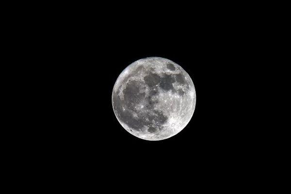 Une super lune sera observable dans le ciel de France, le 31 janvier.
