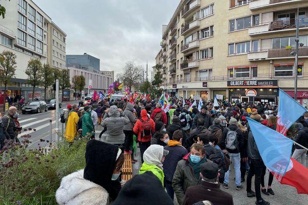 """Caen le 5 décembre : départ de la manifestation contre la loi """"sécurité globale"""""""