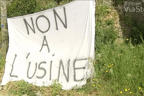 26/04/14 - Grogne à Sainte-Marie-Siché contre une usine de cogénération